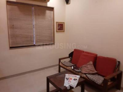 Gallery Cover Image of 500 Sq.ft 1 BHK Apartment for rent in Usha Sadan Apartment, Cuffe Parade for 45500