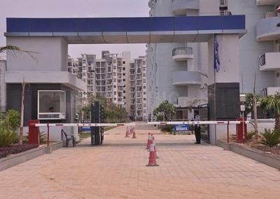 Gallery Cover Image of 1210 Sq.ft 2 BHK Apartment for buy in Omaxe Heights, Sector 86 for 4000000