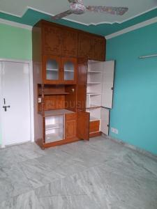 Gallery Cover Image of 1650 Sq.ft 3 BHK Apartment for rent in Bharat Petroleum Apartment, Sector 62 for 19500