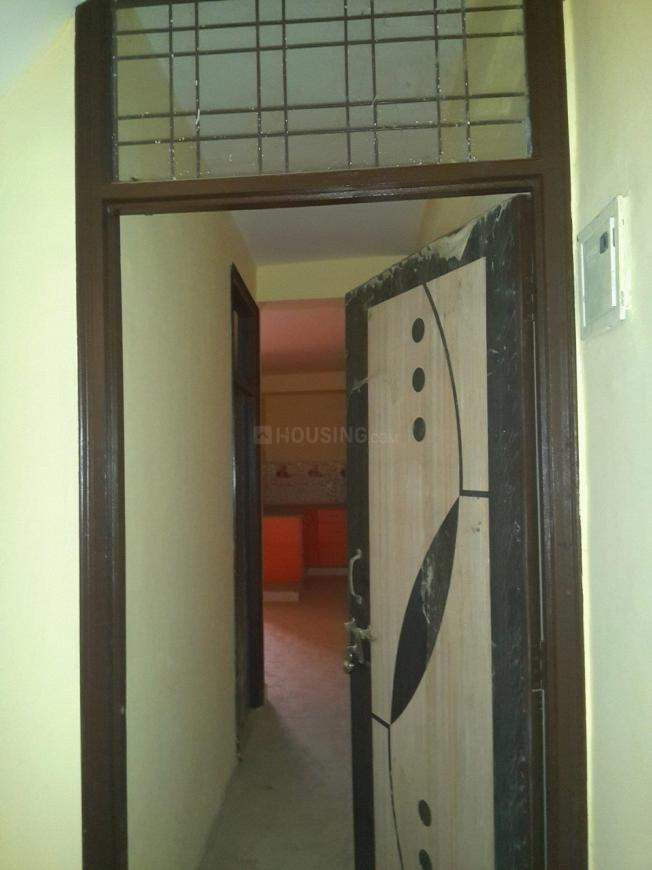 Main Entrance Image of 700 Sq.ft 2 BHK Apartment for buy in Aya Nagar for 2300000