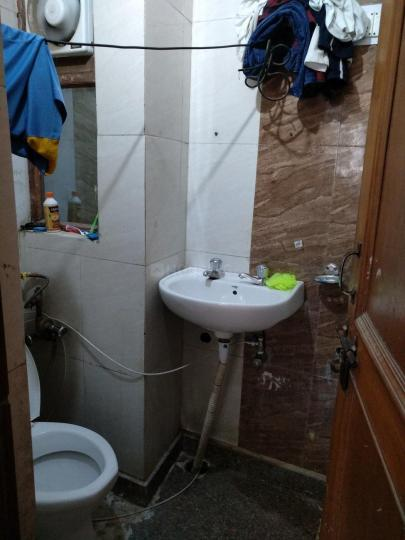Bathroom Image of Luxurious Rooms PG in DLF Phase 3