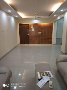 Gallery Cover Image of 1100 Sq.ft 2 BHK Apartment for buy in Juhu for 45000000