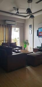 Gallery Cover Image of 1250 Sq.ft 3 BHK Apartment for buy in Mahagun Moderne, Sector 78 for 7400000