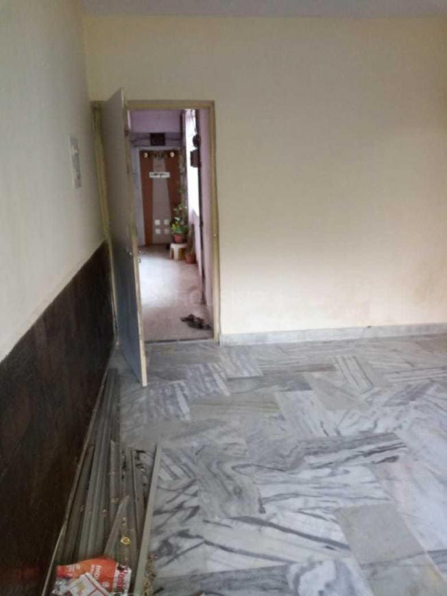 Living Room Image of 550 Sq.ft 1 BHK Apartment for rent in Thane West for 16000