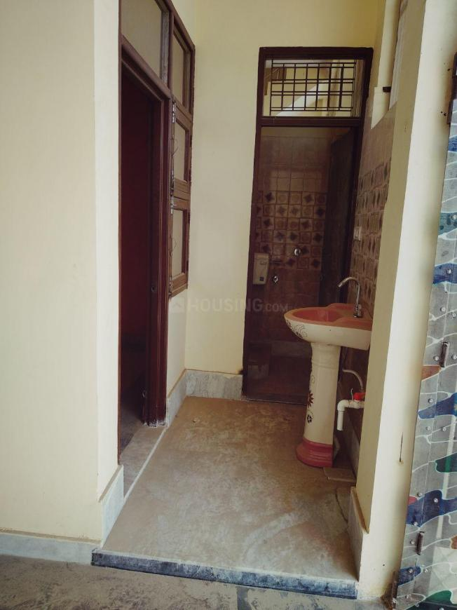 Passage Image of 900 Sq.ft 3 BHK Independent Floor for buy in Lal Kuan for 3600000
