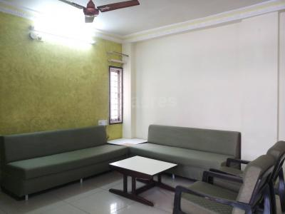 Gallery Cover Image of 1800 Sq.ft 3 BHK Apartment for rent in Navrangpura for 30000