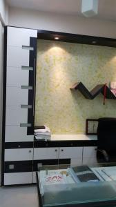 Gallery Cover Image of 1350 Sq.ft 3 BHK Apartment for rent in Kandivali East for 60000