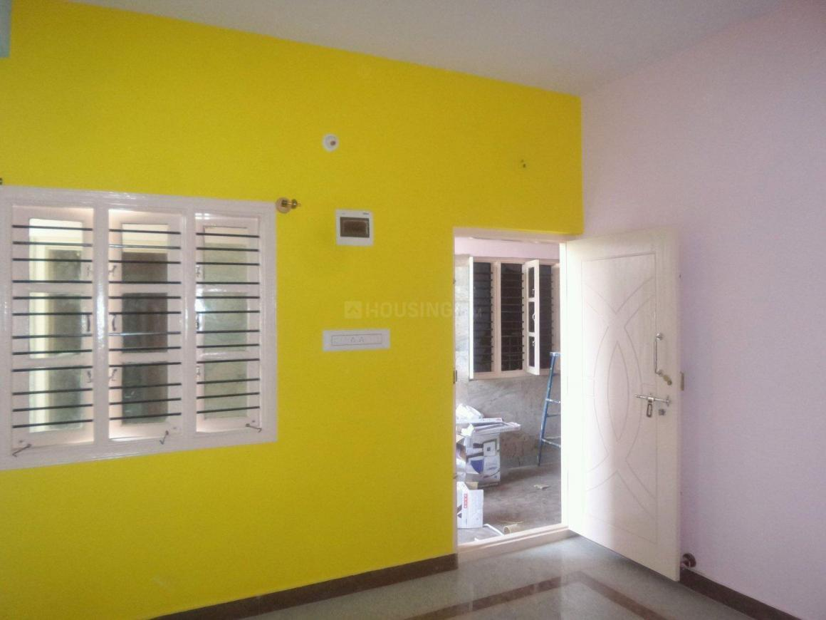 Living Room Image of 650 Sq.ft 2 BHK Apartment for rent in Jalahalli for 13000