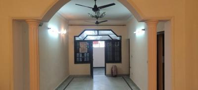 Gallery Cover Image of 1300 Sq.ft 2 BHK Independent Floor for rent in Model Town for 23000