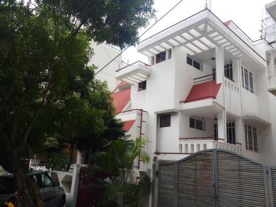 Gallery Cover Image of 5400 Sq.ft 5 BHK Independent House for rent in Embassy Heaven, R. T. Nagar for 80000