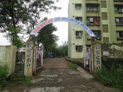 Gallery Cover Image of 1300 Sq.ft 3 BHK Apartment for rent in Chandra DarshanHousing, Kalyan East for 10000