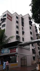 Gallery Cover Image of 550 Sq.ft 1 BHK Apartment for buy in Bhumi Raj Woods , Kharghar for 5700000