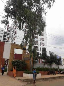 Gallery Cover Image of 1350 Sq.ft 2 BHK Apartment for rent in Bommasandra for 22000