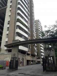 Gallery Cover Image of 1235 Sq.ft 3 BHK Apartment for rent in Mira Road East for 25000