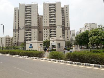 Gallery Cover Image of 2400 Sq.ft 4 BHK Apartment for rent in Vatika Gurgaon 21, Sector 83 for 25000