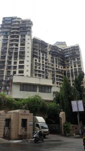 Gallery Cover Image of 1200 Sq.ft 3 BHK Apartment for buy in Malad West for 27500000