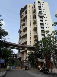 Gallery Cover Image of 1500 Sq.ft 3 BHK Apartment for rent in Kondhwa for 20000