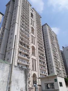 Gallery Cover Image of 1650 Sq.ft 3 BHK Apartment for buy in Sector 78 for 10000000