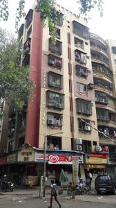 Gallery Cover Image of 1000 Sq.ft 2 BHK Apartment for rent in Gayatri Darshan, Kandivali East for 29000