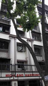 Gallery Cover Image of 700 Sq.ft 1 BHK Apartment for rent in Kandivali West for 24000