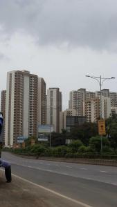 Gallery Cover Image of 1050 Sq.ft 2 BHK Apartment for rent in Bhayandarpada, Thane West for 22000