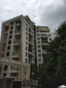 Gallery Cover Image of 2000 Sq.ft 4 BHK Apartment for rent in Koregaon Park for 120000