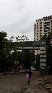 Gallery Cover Image of 1040 Sq.ft 2 BHK Apartment for rent in Thane West for 27000