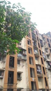 Gallery Cover Image of 750 Sq.ft 2 BHK Apartment for buy in Kandivali West for 18000000