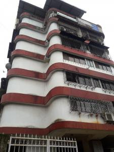 Gallery Cover Image of 1200 Sq.ft 2 BHK Apartment for rent in Khar West for 80000