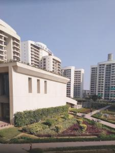 Gallery Cover Image of 2660 Sq.ft 4 BHK Apartment for buy in Chintels Paradiso, Sector 109 for 17000000