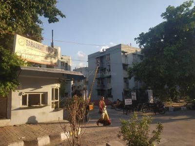 Gallery Cover Image of 850 Sq.ft 2 BHK Apartment for rent in Saraswati Kunj, Patparganj for 17000