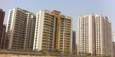 Gallery Cover Image of 1685 Sq.ft 3 BHK Apartment for rent in Prateek The Royal Cliff, Crossings Republik for 9000