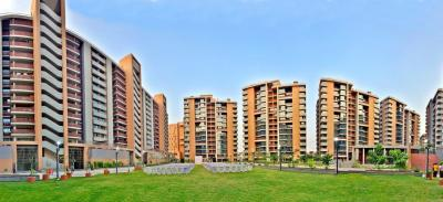 Gallery Cover Image of 4000 Sq.ft 4 BHK Apartment for rent in Maple Tree Garden Homes, Memnagar for 60000