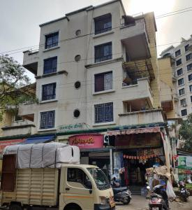 Gallery Cover Image of 1300 Sq.ft 3 BHK Apartment for rent in Sunshine Greens, Bopodi for 25000