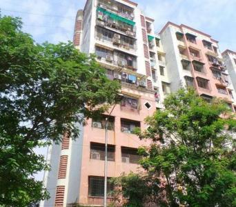 Gallery Cover Image of 900 Sq.ft 2 BHK Apartment for buy in Akashdeep CHS, Mulund East for 18000000
