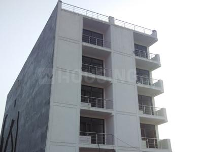 Gallery Cover Image of 1000 Sq.ft 3 BHK Apartment for buy in Ashu Apartment, Sector 49 for 3800000