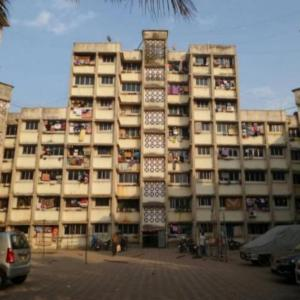 Gallery Cover Image of 710 Sq.ft 2 BHK Apartment for buy in Aparna Raj CHS, Kalwa for 6000000