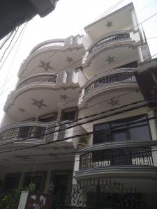 Gallery Cover Image of 600 Sq.ft 1 BHK Apartment for buy in Chauhan East Platnium, Sector 44 for 2400000