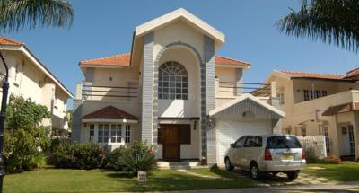Gallery Cover Image of 2900 Sq.ft 3 BHK Villa for rent in Adarsh Palm Meadows, Whitefield for 100000
