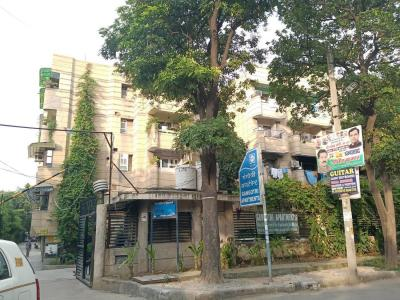 Gallery Cover Image of 900 Sq.ft 2 BHK Apartment for rent in Anil Suri Group Gangotri Apartment, Vikaspuri for 21500