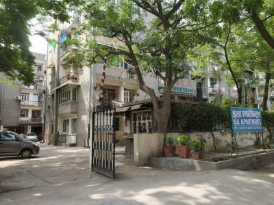 Gallery Cover Image of 700 Sq.ft 2 BHK Apartment for rent in ILA Apartments, Vasundhara Enclave for 17000