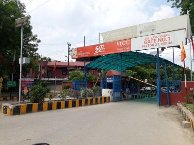 Gallery Cover Image of 1350 Sq.ft 2 BHK Independent Floor for rent in Jalvayu Vihar, Sector 25 for 15000