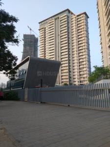 Gallery Cover Image of 975 Sq.ft 2 BHK Apartment for rent in Amanora Gateway Towers, Hadapsar for 33000