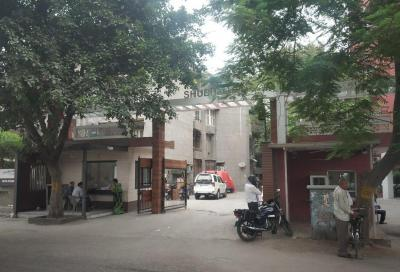 Gallery Cover Image of 950 Sq.ft 2 BHK Apartment for buy in Shubham Apartments, Patparganj for 8500000