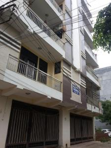 Gallery Cover Image of 850 Sq.ft 2 BHK Apartment for buy in Maan Happy Homes, Shahberi for 2200000