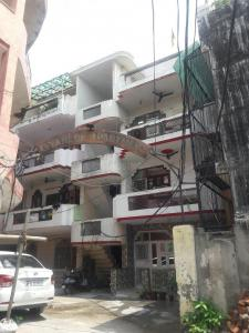 Gallery Cover Image of 950 Sq.ft 2 BHK Independent Floor for rent in Gyanlok Apartment, Shastri Nagar for 13000