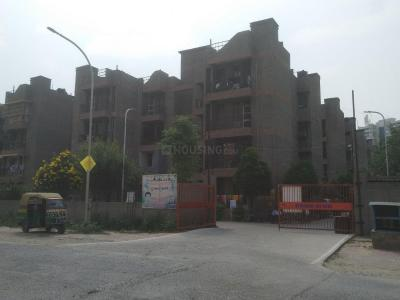 Gallery Cover Image of 342 Sq.ft 1 BHK Apartment for rent in Noida Authority LIG Flats, Sector 118 for 6000