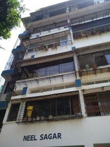 Gallery Cover Image of 1200 Sq.ft 3 BHK Apartment for rent in Neel Sagar, Prabhadevi for 85000