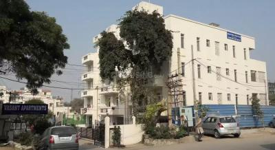 Gallery Cover Image of 1800 Sq.ft 3 BHK Apartment for rent in  Vasant Apartment, Sector 13 for 32400