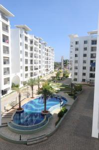 Gallery Cover Image of 1750 Sq.ft 3 BHK Apartment for rent in Value VDB Celadon, Nehru Nagar for 24000